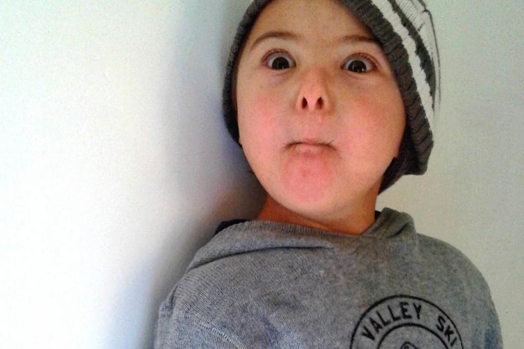 Chicco fa le smorfie